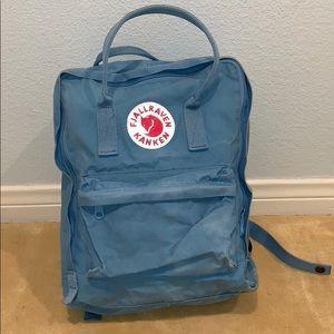 Fjall raven light blue kanken backpack